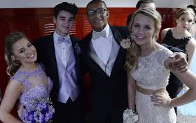 niskayuna junior prom walk through the daily gazette niskayuna high school juniors prepare for the walk through before leaving for their junior prom at