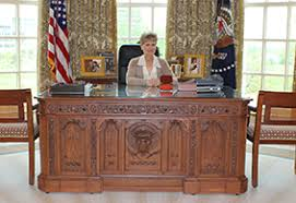 in late april the george w bush presidential center opened to the public in dallas and the pice de rsistance of the 226000 square foot library and bush library oval office