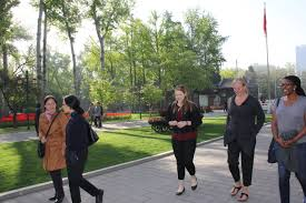 post event mentor walks austcham beijing to connect a group of mentees to share their experiences discuss personal and professional successes challenges and long term goals