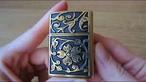 <b>Зажигалка Zippo</b> 20903 <b>Gold</b> Floral Flourish (Видео обзор) podarki ...