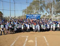 dodgers pitching in the community dodgers dreamfield at roy campanella park in compton