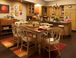 Modern Family  Three Funny Families and Their Three Fab HousesDunphy kitchen and table Modern Family
