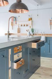 cream shaker kitchen units  ideas about shaker style kitchens on pinterest shaker style custom ca