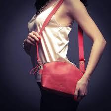 <b>Moon Bag</b> в красном цвете имеет одно... - Holla Emotions ...
