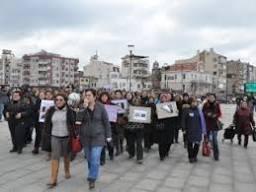 Çanakkale'de Özgecan eyleminde kadın-erkek gerginliği