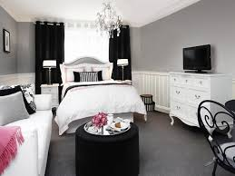 apartment bedroom optimize your small bedroom design home remodeling ideas for for apartment bedroom black black and pink bedroom furniture