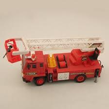<b>Радиоуправляемая пожарная машина</b> с подъемной стрелой F827-1