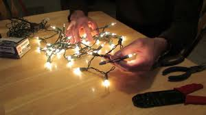 How to Remove an End Plug from a Christmas Light String - YouTube
