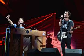 livestream global citizen festival stereogum watch eddie vedder chris martin play crowded house pearl jam patti smith
