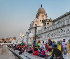 photos that show why the golden temple is better than the taj pilgrims at the golden temple