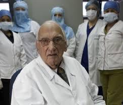 Dr Convit desarrolla la vacuna