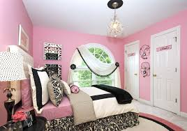 pik bedroom for teen girl with master bed and chandelier plus white shade table lamp black and pink bedroom furniture