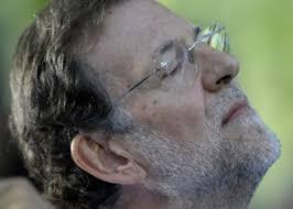 Resultado de imagen de fotos de rajoy dormido