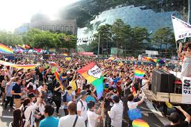 seoul pride photo essay policy forum hundreds hit the city centre to begin the 2015 seoul gay pride parade image by mariam koslay