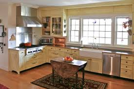 Country Kitchen Layouts Designing Country Kitchen With Rustic Island Http Www