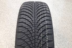<b>Goodyear Vector 4 Seasons Gen 2</b> test and review of the Goodyear ...