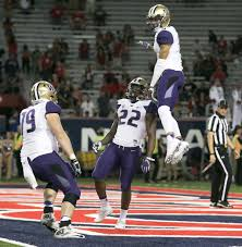 washington huskies vs arizona wildcats live coverage as uw opens washington huskies running back lavon coleman 22 celebrates his long touchdown run to make