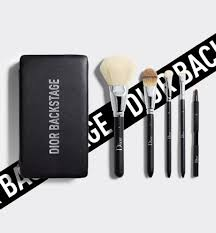 <b>Brushes</b> & accessories - <b>Dior Backstage</b> - Make-Up | DIOR