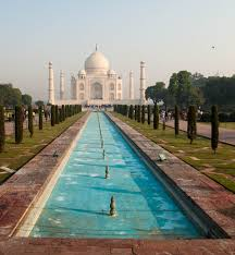 white marble a photo essay of the taj mahal scribble snap travel southern view of the taj mahal and the reflective pool