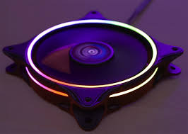 Подсветка <b>вентилятора Aerocool Eclipse</b> 12 выполнена в виде ...