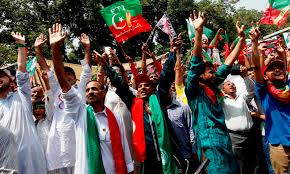 Imran khan PTI supporters celebrating thier success in KPK