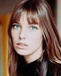 Jane Birkin. Genre : Chanson, Pays : FR. Née le 14 décembre 1946 à Londres, Jane baigne dans la musique très tôt, étant donné que sa mère est chanteuse et ... - 101-1