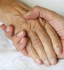 Resultado de imagen de cuidadoras INFORMALES de ancianos