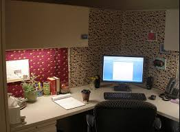 cool office cubicle decorating thrifty ways to make your cubicle cozy home design ideas and amazing ideas cubicle decorating ideas office cubicle