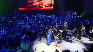 The Dark Knight - <b>Hans Zimmer</b> /J. Newton Howard - LIVE - YouTube