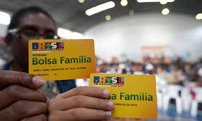 Resultado de imagem para Beneficiário do Bolsa Família doou R$ 75 milhões nas eleições