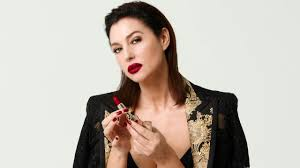 The Only One Lipstick starring <b>Monica Bellucci</b> - YouTube