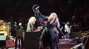 <b>Fleetwood Mac</b> Kicks Off North American Fall Tour In <b>Boston</b>