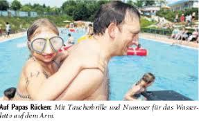 """""""Bei so einem Wetter kommen unsere Leute"""", sagt Helmut Althoff stolz. Er ist Pressesprecher des Fördervereins Freibad Schröttinghausen. - Wasserlotto"""