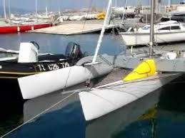 more small trimarans