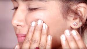 <b>Facial Massage</b> Routine for Glowing Skin and a Slimmer Face ...