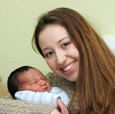 Jade White with baby Ethan - 3660336141