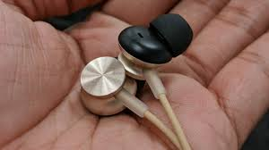 MINISO <b>Hi-Fi Metal Earphone</b> Review - yuck - YouTube