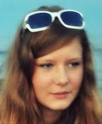 17 sierpnia 2010 roku w Yverden w Szwajcarii zaginęła Justyna Agnieszka Chrobot. Ma 17 lat, 173 cm wzrostu i niebieskie oczy. Zaginiona prawdopodobnie nadal ... - Chrobot_Justyna