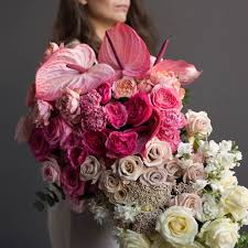 АВТОРСКИЕ БУКЕТЫ > <b>Букет из пионовидных роз</b>, маттиол ...
