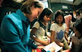 u s department of defense photo essay u s navy lt j g melissa gonzales plays n children at the murni jaya orphanage