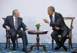 Risultati immagini per Storico incontro tra Obama e Raul Castro