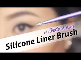 <b>Real Techniques Silicone Liner</b> Brush DEMO - YouTube