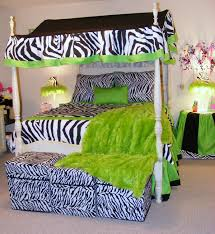 zebra bedroom black and white zebra lime green bedding with canopy teen black white zebra bedrooms