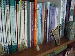seamus heaney digging and remembering bookish nature a gathering of poetry on my bookshelves · selection of seamus heaney