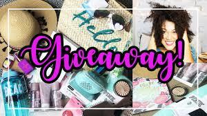 <b>Summer Beach Bag</b> Essentials & Giveaway 17'! (closed) - YouTube