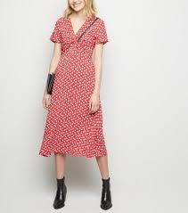 Robe <b>mi</b>-longue rouge à imprimé floral et nœud devant | Dresses ...