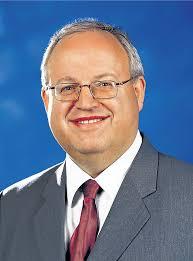 """""""Die gesamten Steuereinnahmen sind für 2014 mit 25,3 Millionen Euro und damit 1,1 Millionen Euro über dem Vorjahreswert angesetzt"""", rechnete Günter Bächle ... - 910_0008_15456_Baechle_Guenter_eps"""