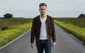 Watch Keane frontman <b>Tom Chaplin</b> open up about drug addiction ...