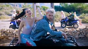 SOFI TUKKER - <b>Best Friend</b> feat. NERVO, The Knocks & Alisa Ueno ...