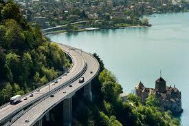 """Résultat de recherche d'images pour """"vue depuis l'autoroute en dessus de Montreux"""""""
